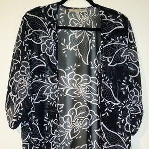 Foreign Exchange Floral Kimono